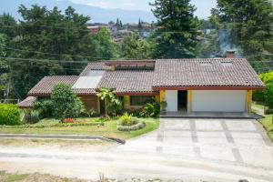 Casa En Alquileren Sabanilla, Montes De Oca, Costa Rica, CR RAH: 17-140