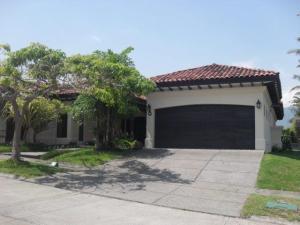 Casa En Ventaen Santa Ana, Santa Ana, Costa Rica, CR RAH: 17-145