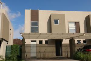 Casa En Ventaen Santa Ana, Santa Ana, Costa Rica, CR RAH: 17-146