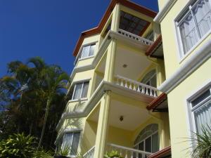 Apartamento En Alquileren Altos Paloma, Escazu, Costa Rica, CR RAH: 17-235