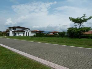 Terreno En Ventaen La Guacima, Alajuela, Costa Rica, CR RAH: 17-412