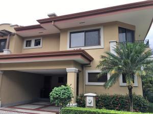 Casa En Ventaen Guachipelin, Escazu, Costa Rica, CR RAH: 17-557