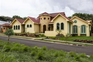 Casa En Ventaen La Garita, Alajuela, Costa Rica, CR RAH: 17-695