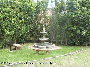 Casa En Alquileren Guachipelin, Escazu, Costa Rica, CR RAH: 17-816