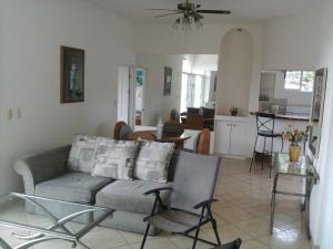 Apartamento En Alquileren Altos Paloma, Santa Ana, Costa Rica, CR RAH: 17-823