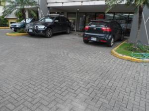 Oficina En Alquileren Santa Ana, Santa Ana, Costa Rica, CR RAH: 17-919