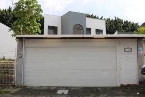 Casa En Ventaen Santa Ana, Santa Ana, Costa Rica, CR RAH: 17-1042