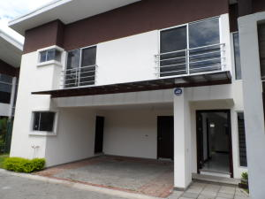 Casa En Alquileren Santa Ana, Santa Ana, Costa Rica, CR RAH: 17-1047