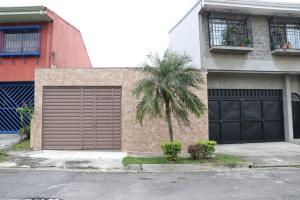 Casa En Ventaen La Uruca, San Jose, Costa Rica, CR RAH: 17-1065
