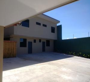 Apartamento En Alquileren Pozos, Santa Ana, Costa Rica, CR RAH: 17-1082