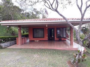 Casa En Alquileren Ciudad Colon, Santa Ana, Costa Rica, CR RAH: 18-29