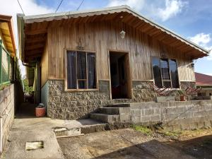Casa En Ventaen Heredia, Barva, Costa Rica, CR RAH: 18-59