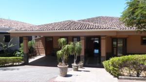 Casa En Ventaen Guachipelin, Escazu, Costa Rica, CR RAH: 18-116