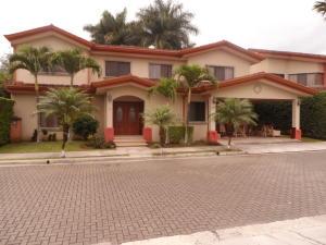 Casa En Alquileren Pozos, Santa Ana, Costa Rica, CR RAH: 18-120