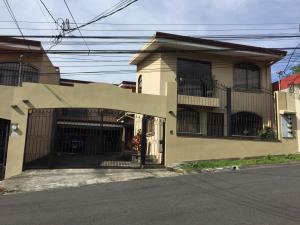 Casa En Ventaen Alajuela Centro, Alajuela, Costa Rica, CR RAH: 18-123