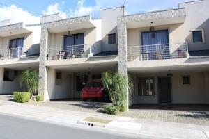 Casa En Ventaen Guadalupe, Goicoechea, Costa Rica, CR RAH: 18-10