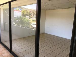Oficina En Alquileren Santa Ana, Santa Ana, Costa Rica, CR RAH: 18-147