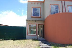 Casa En Ventaen Santa Ana, Santa Ana, Costa Rica, CR RAH: 18-144