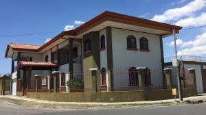 Casa En Ventaen El Coyol, Alajuela, Costa Rica, CR RAH: 18-150
