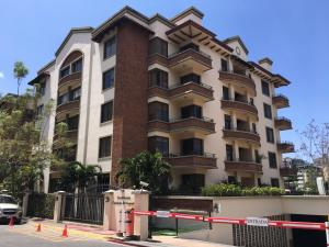 Apartamento En Alquileren Escazu, Escazu, Costa Rica, CR RAH: 18-178