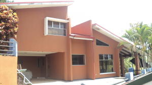 Casa En Alquileren Turrucares, Alajuela, Costa Rica, CR RAH: 18-189