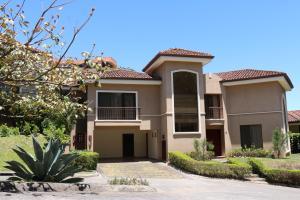 Casa En Alquileren Escazu, Escazu, Costa Rica, CR RAH: 18-197