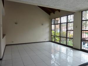 Casa En Alquileren Rohrmoser, San Jose, Costa Rica, CR RAH: 18-217