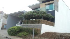 Casa En Alquileren Alajuela, Palmares, Costa Rica, CR RAH: 18-222