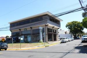 Local Comercial En Alquileren Trejos Montealegre, Escazu, Costa Rica, CR RAH: 18-229