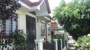 Casa En Ventaen Guadalupe, Goicoechea, Costa Rica, CR RAH: 18-238