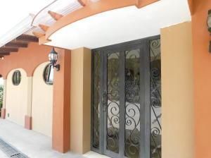 Casa En Alquileren Rio Oro, Santa Ana, Costa Rica, CR RAH: 18-252