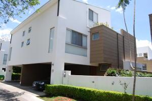 Casa En Ventaen Santa Ana, Santa Ana, Costa Rica, CR RAH: 18-276