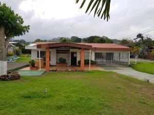 Local Comercial En Alquileren Alajuela, Palmares, Costa Rica, CR RAH: 18-322