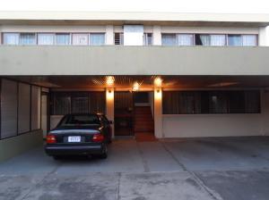 Apartamento En Alquileren Tibas, Tibas, Costa Rica, CR RAH: 18-297