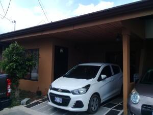 Casa En Ventaen Santo Domingo, Santo Domingo, Costa Rica, CR RAH: 18-317