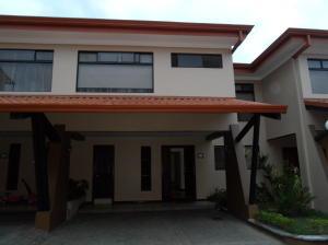 Casa En Alquileren Pinares, Curridabat, Costa Rica, CR RAH: 18-325