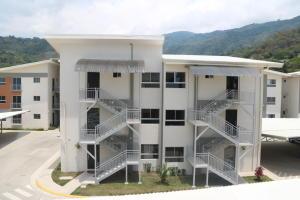 Apartamento En Ventaen Rio Oro, Santa Ana, Costa Rica, CR RAH: 18-332