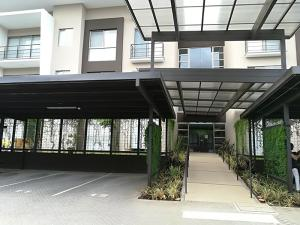 Apartamento En Alquileren Brasil De Santa Ana, Santa Ana, Costa Rica, CR RAH: 18-345