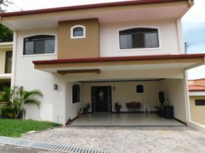 Casa En Ventaen Guachipelin, Escazu, Costa Rica, CR RAH: 18-342