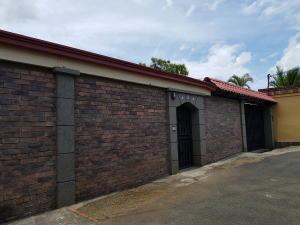 Casa En Ventaen Desamparados, Alajuela, Costa Rica, CR RAH: 18-364