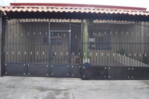 Casa En Ventaen El Coyol, Alajuela, Costa Rica, CR RAH: 18-365