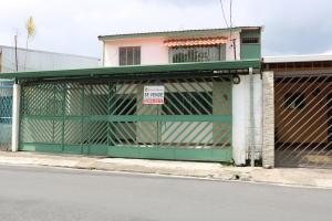 Casa En Ventaen Tibas, Tibas, Costa Rica, CR RAH: 18-379