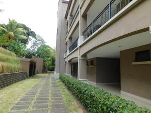 Apartamento En Ventaen Pozos, Santa Ana, Costa Rica, CR RAH: 18-434