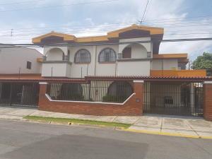 Apartamento En Alquileren Rohrmoser, Pavas, Costa Rica, CR RAH: 18-440