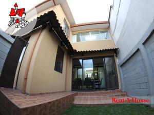 Oficina En Ventaen Sabana, San Jose, Costa Rica, CR RAH: 18-449