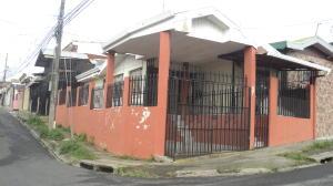Casa En Ventaen Guadalupe, Goicoechea, Costa Rica, CR RAH: 18-465