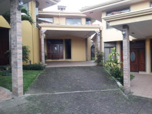 Casa En Alquileren Granadilla, Curridabat, Costa Rica, CR RAH: 18-494