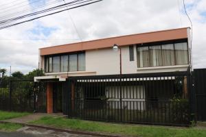 Casa En Ventaen Sabanilla, Montes De Oca, Costa Rica, CR RAH: 18-498