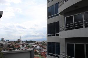 Apartamento En Alquileren Paseo Colon, San Jose, Costa Rica, CR RAH: 18-511