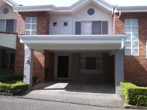 Casa En Alquileren Belen, Belen, Costa Rica, CR RAH: 18-514